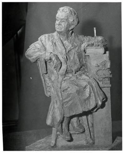 Florence_Sabin_statue
