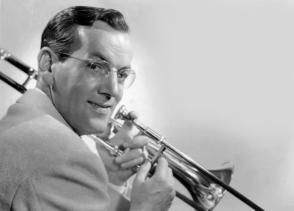Glenn Miller And His Orchestra - Live At The Cafe Rouge